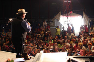 Warren Nelson onstage at the Minnesota State Fair - 2008
